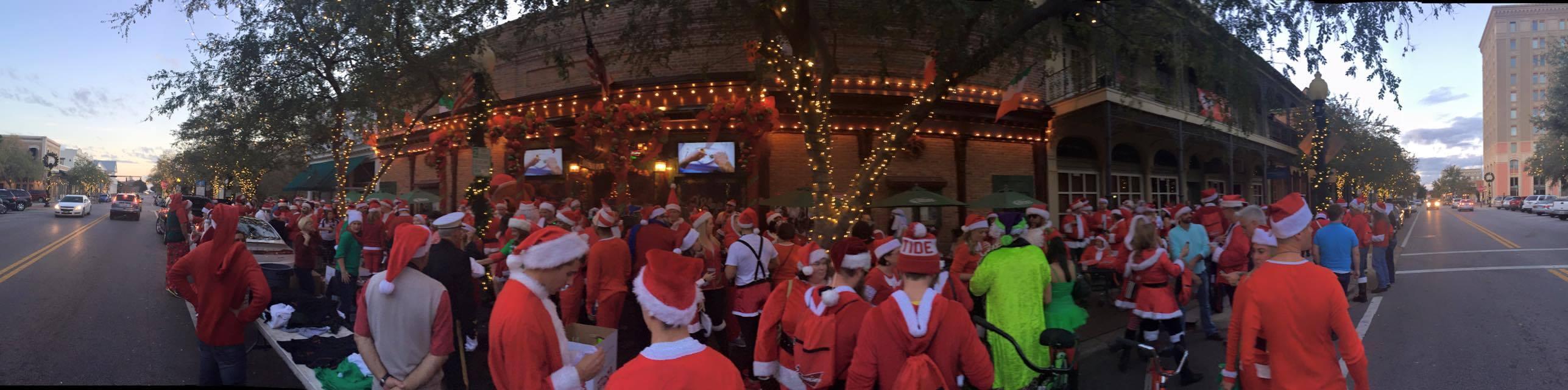 Santa Pub Crawl 2016