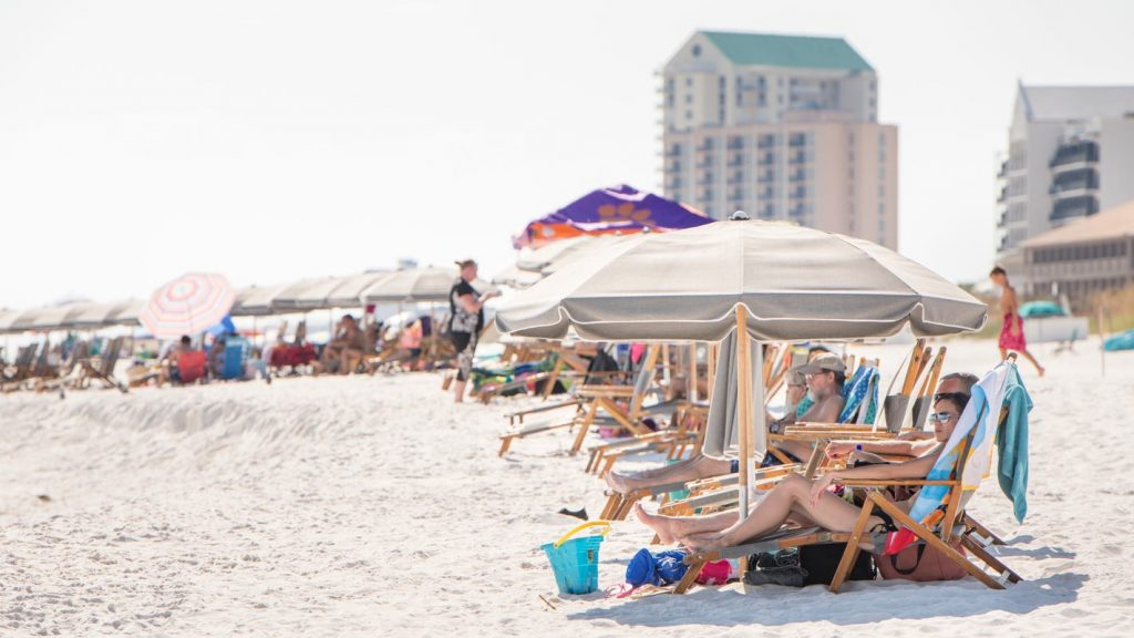 Santa Rosa County Commission votes to re-open Navarre Beach for five hours each day