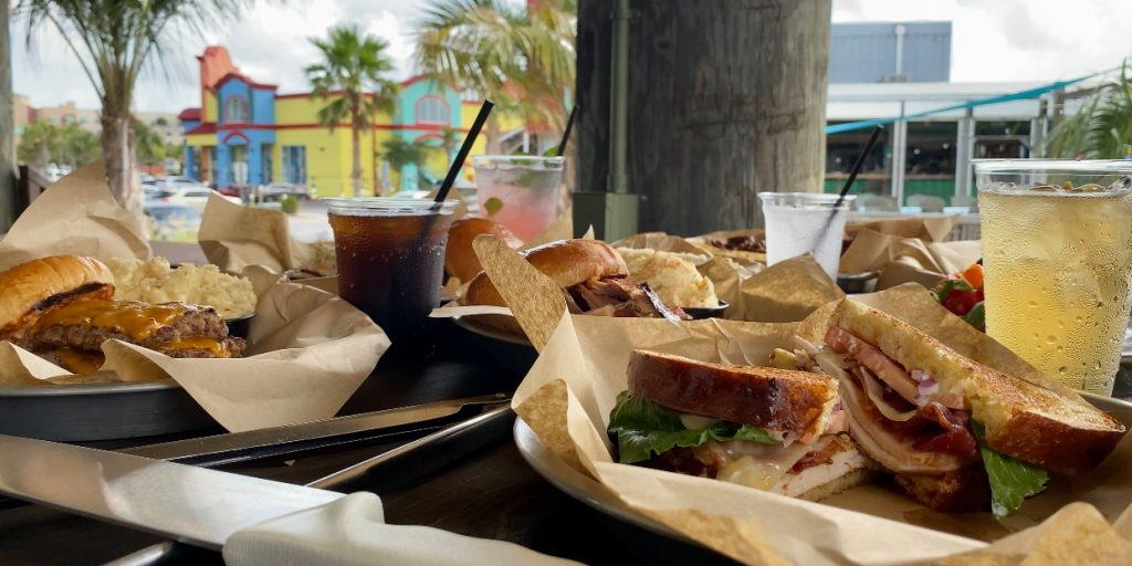 New Pensacola Beach restaurant opens, finds success during pandemic