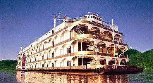 Largest riverboat in the world to pass by off the Alabama coast en route to Pensacola