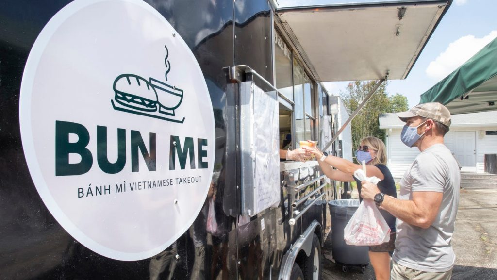 Barbecue, bánh mìs and meat pies: Three new Pensacola food trucks to try this fall