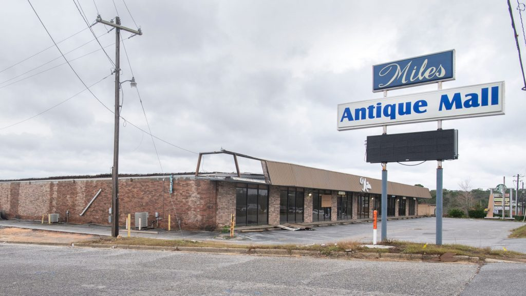 Pensacola's Miles Antique Mall closes permanently after 62-year run