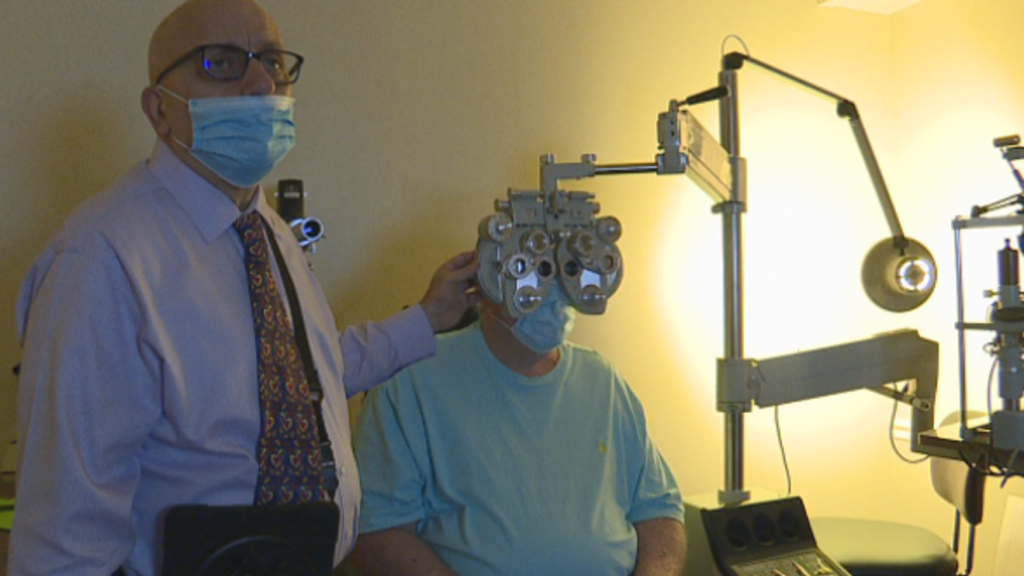 Doctors with a heart, Pensacola doctor gives free eye exams and eye glasses